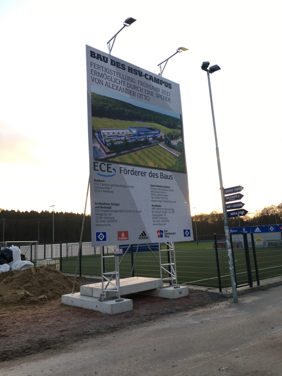 Bauschildmietsystem für den HSV Campus
